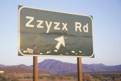 Znak który czyta ï ¿ ½ Zzyzx Rdï ¿ ½ Obrazy Stock