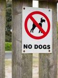Znak mówi nie jest prześladowanym czerwonego czarny i biały parkowego zbawczego czystego teren Zdjęcia Royalty Free