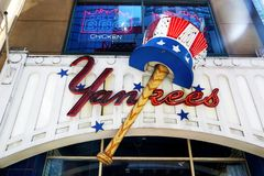 Znak new york yankees stary sklep fotografia stock