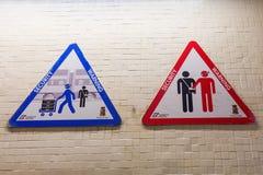 Znak ostrzegawczy dla pickpocketing w Włochy Zdjęcia Royalty Free
