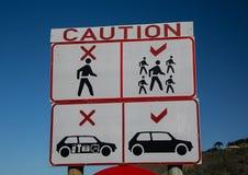 Znak ostrzegawczy przy parking blisko Kaaimans Rzecznej przepustki Fotografia Stock