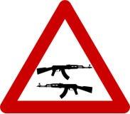 Znak ostrzegawczy z karabinami Obrazy Stock