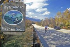 Znak powitalny Pinkham karb, NH na trasie 16 w Białych górach obrazy royalty free
