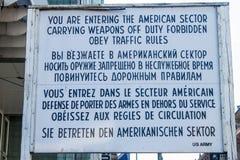 Znak przy Checkpoint Charlie obrazy stock
