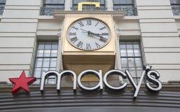Znak przy Macy s zwiastuna kwadratem na Broadway w Manhattan Zdjęcie Stock