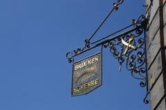 Znak restauracja w Bayreuth blisko rzecznej magistrali w Niemcy zdjęcie royalty free
