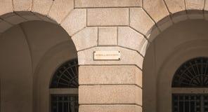 Znak uliczny dokąd ja napisze w Włoskiej poczcie żadny rachunki obrazy royalty free