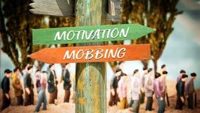 Znak Uliczny motywacja versus Oblega? zdjęcia royalty free