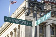 Znak uliczny - Pennsylwania aleja w washington dc - washington dc KOLUMBIA, KWIECIEŃ - 7, 2017 Zdjęcie Stock