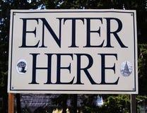 Znak & x22; Wchodzić do here& x22; Zdjęcia Royalty Free