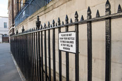 Znaka nie łańcuch twój rower Zdjęcie Royalty Free