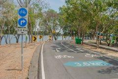 Znaki i symbole bicykl na rowerowym pasie ruchu obrazy royalty free