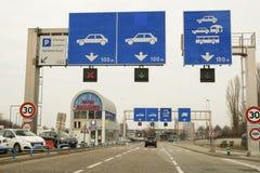 Znaki nad autostrada pasy ruchu Fotografia Stock
