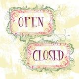 Znaki otwierają zamkniętego royalty ilustracja