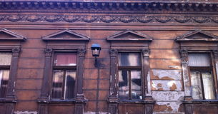Zniszczona brown fasada Obraz Royalty Free