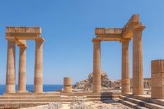 Zniszczone kolumny antyczny miasto Lindos, Grecja Fotografia Stock