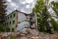Zniszczony budynek, może używać jako rozbiórka, trzęsienie ziemi, bomba Fotografia Royalty Free
