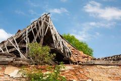 Zniszczony drewniany dach Fotografia Stock