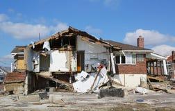 Zniszczony plażowy dom cztery miesiąca po Huraganowego Sandy Zdjęcia Stock
