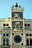 Zodiacal klokketoren in St Mark& x27; s Vierkant, Venetië stock afbeelding