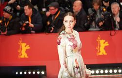 """Zoe Kazan assiste """"alla gentilezza degli sconosciuti fotografia stock libera da diritti"""