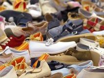 Zoek goederen door Royalty-vrije Stock Foto