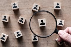 Zoeken voor talent of het zoeken van werknemer royalty-vrije stock afbeeldingen