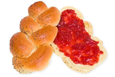 Zoet broodje met aardbeijam Royalty-vrije Stock Afbeeldingen