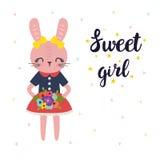Zoet meisje Leuk weinig konijntje met bloemen Romantische kaart, groetkaart of prentbriefkaar Illustratie met mooi manierkonijn Stock Foto's