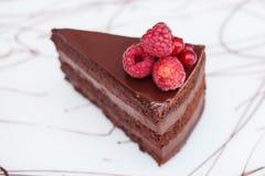 Zoete cake op een houten lijst Stock Foto's