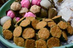 Zoete cakes bij de markt in Bali, Indonesië Royalty-vrije Stock Afbeelding