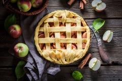 Zoete die scherp met appelen van verse ingrediënten worden gemaakt Royalty-vrije Stock Afbeeldingen