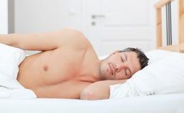 Zoete dromen sleepng mens royalty-vrije stock foto