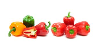 Zoete groene paprika op een witte achtergrond Royalty-vrije Stock Fotografie