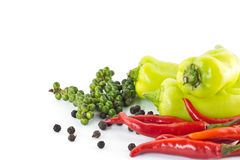 Zoete groene Spaanse peper, roodgloeiende Spaanse peper en peper Stock Foto's