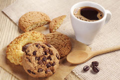 Zoete koekjes en koffie Stock Foto's