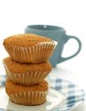Zoete muffins op een plaat Royalty-vrije Stock Fotografie