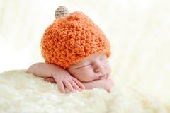 Zoete pasgeboren baby stock foto's