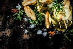 Zoete peer en rozemarijncocktail Stock Foto's
