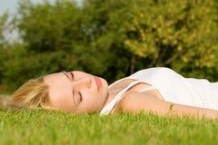Zoete rust op het gras Royalty-vrije Stock Foto