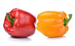 Zoete Spaanse peper en gele peper die op witte achtergrond wordt geïsoleerd Royalty-vrije Stock Foto