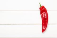 Zoete Spaanse peper op witte houten raad Royalty-vrije Stock Fotografie