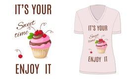 Zoete tijd met cupcake en kers, model Royalty-vrije Stock Fotografie