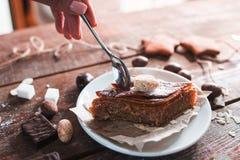 Zoete Turkse baklava die vrije ruimte eten Royalty-vrije Stock Foto's
