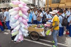 Zoete verkoper op de straat van Bangkok Stock Afbeeldingen