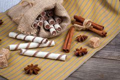 Zoete wafeltjesbroodjes, karamelsuikergoed en suiker Stock Afbeelding