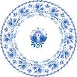 Zolla bianca e blu decorativa con i fiori Fotografia Stock