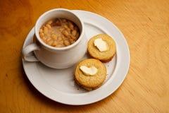 Zolla di bianco del cornbread della zuppa di fagioli Fotografie Stock Libere da Diritti