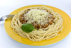 Zolla di spaghetti con i parmes Immagini Stock Libere da Diritti