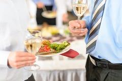 Zolla e vino dell'antipasto dei rinfreschi di affari Immagini Stock